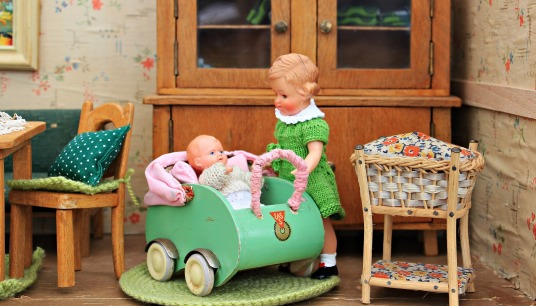 dolls-houses-